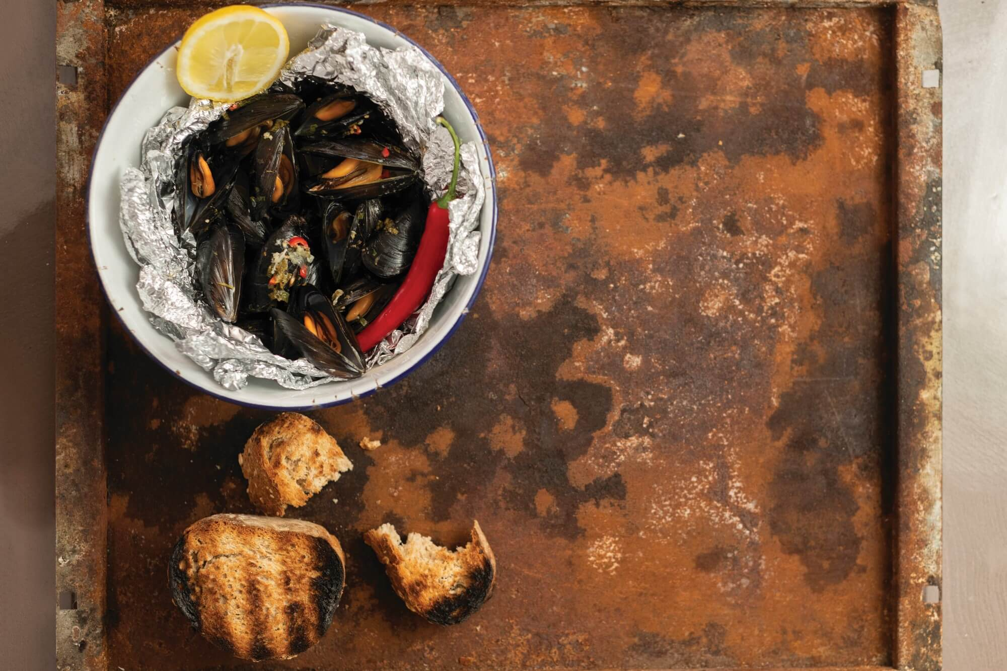 Grilled Mussels with Garlic Butter and Chilli
